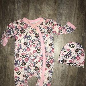 Baby girl pajama and hat